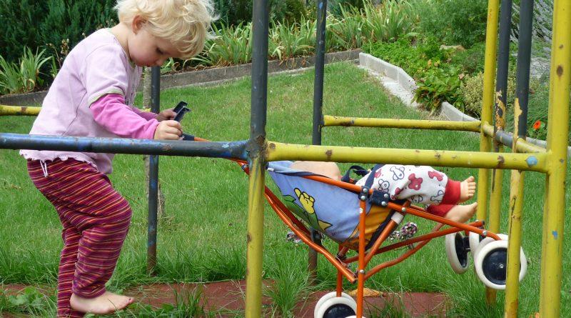 Dětský kočárek pro panenku