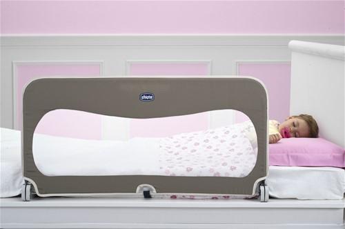 Zábrana na postel pro dítě