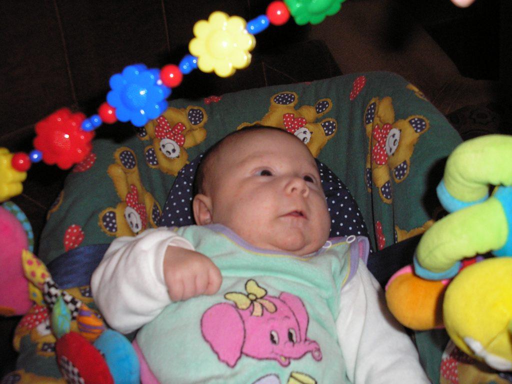 Hračky pro miminka do autosedačky