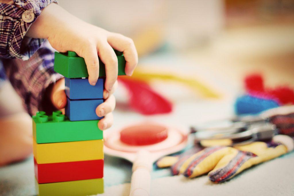 Dětské stavebnice-hračky pro rozvoj jemné motoriky