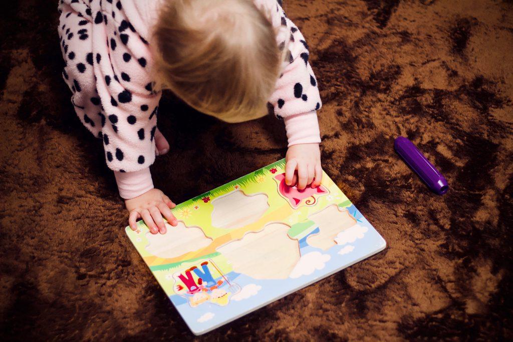 Puzzle-dřevěné hračky pro rozvoj jemné motoriky