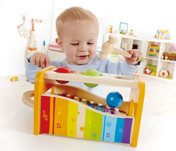 Zatloukačky hračky pro děti do jednoho roku