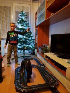 Autodráha s autíčky tip na dárek pro 7-letého chlapce